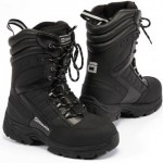Snowmobile boots built with removable warm liners