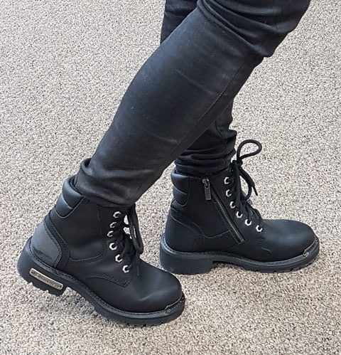 Womens cruiser motorcycle boot for