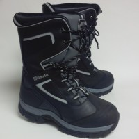 Boots for riding snowmobile
